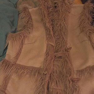 Vest with son suede and soft fur